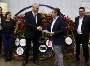Président-Iberflora-présentation-panier-fleurs